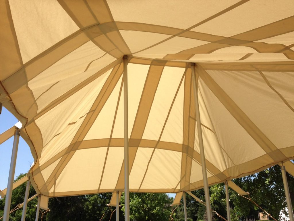 Like the original Bedouin tents, the Bedouin tent made by Armbruster Manufacturing also uses canvas reinforcing bands.